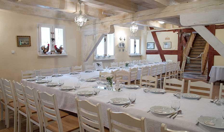 Dwór w Czartołomiu, wesela, komunie, śluby.